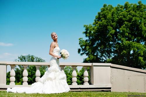 Dora Manuel   Greenacres   Inside Weddings magazine