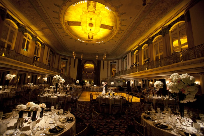 Dora Manuel | viva bella events | Cincinnati Wedding Planner | Art Deco Wedding